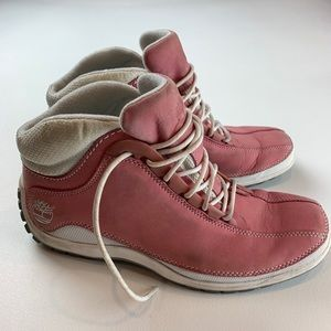 Timberland Size 8.5 Women's Pink Suede Boots